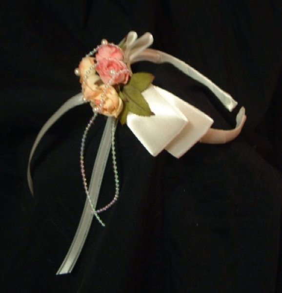 画像1: 薔薇の花のtカチューシャ(白・ピンク)子供用カチューシャ/ドレス/子供ドレス/激安 良品 ゴージャス ゴム (1)